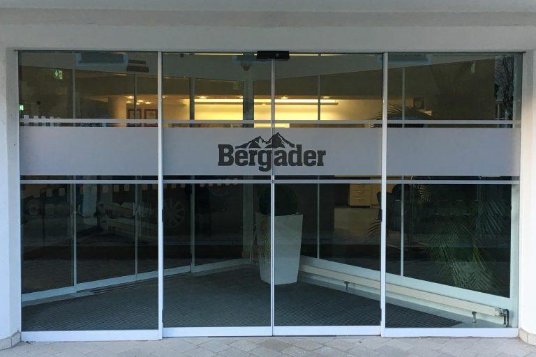 kronbichler-werbung-design-beschriftung-glasdekor-bergader-03